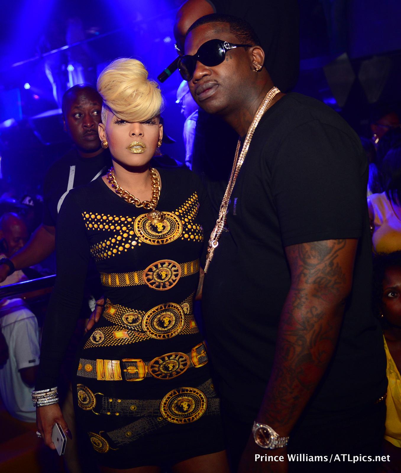 Chris Brown Goes Clubbin' In NYC, Lil Kim & Tiffany Foxx ...