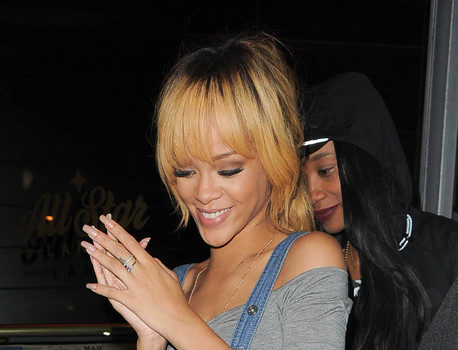 Rihanna Admits She Was Bankrupt, Blames Piss Poor Accountant