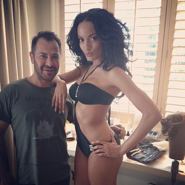 Selita Ebanks Is Still Flawless, Rihanna Still Shows Butt Cheeks + More Celeb Stalking