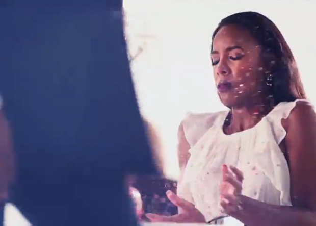 [WATCH] Kelly Rowland Teases 'Dirty Laundry' Video