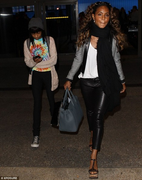 Willow-Smith-Jada-Pinkett-Smith-LAX-2013-The-Jasmine-Brand