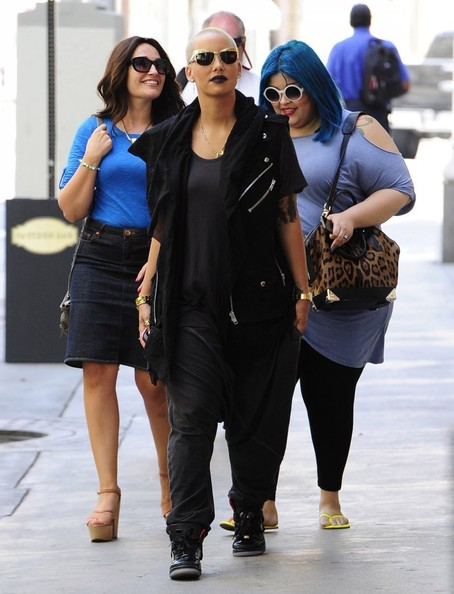 Billboard Illustrates Jay-Z's Blueprint, Amber Rose Has A Baggy Lunch + More Celeb Stalking
