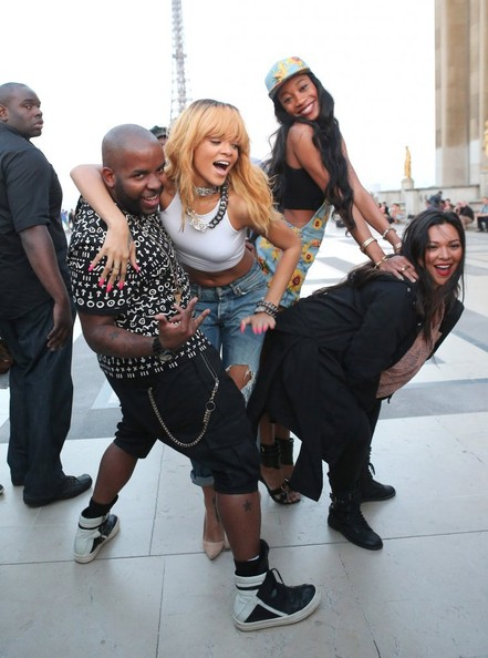 b-Rihanna Takes Touristy Pictures at the Eiffel Tower