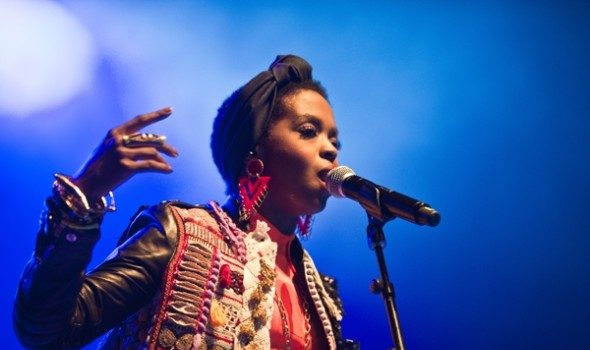 Lauryn Hill Apologizes To Brussels & Paris Fans After Showing Up Over 2 Hours Late: We're Working Out The Kinks!