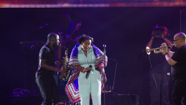 [Photos] Brandy, Maxwell & Jill Scott Invade Essence Festival + Behind the Scenes Spottings