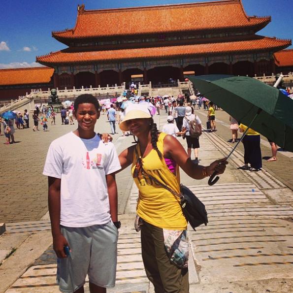 tameka-raymond-Ryan-Glover-Jr-China-Great-Wall-2013-the-jasmine-brand