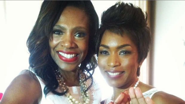 [Photos] Actress Angela Bassett & Susan L Taylor Become Members of Delta Sigma Theta