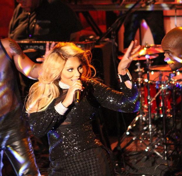 [Photos] Tamar Braxton Performs Intimate LA Show + Duane Martin, Eva Marcille & RaVaughn Lend Their Support