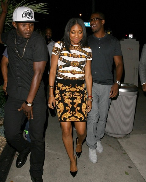 c-chris paul-celebrates signing-boa steakhouse 2013-the jasmine brand