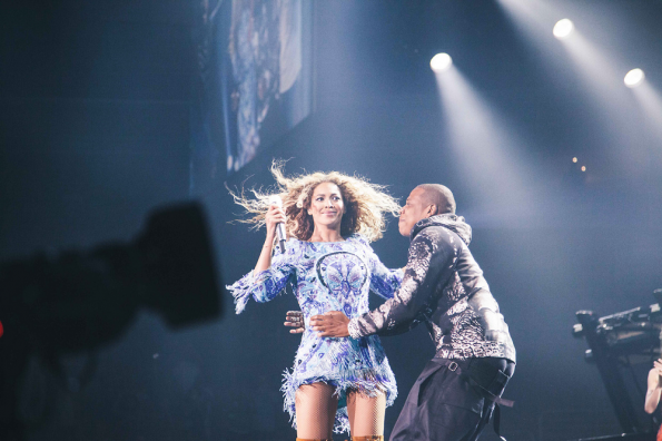 jayz-surprises beyonce-in philly-mrs carter show-the jasmine brand