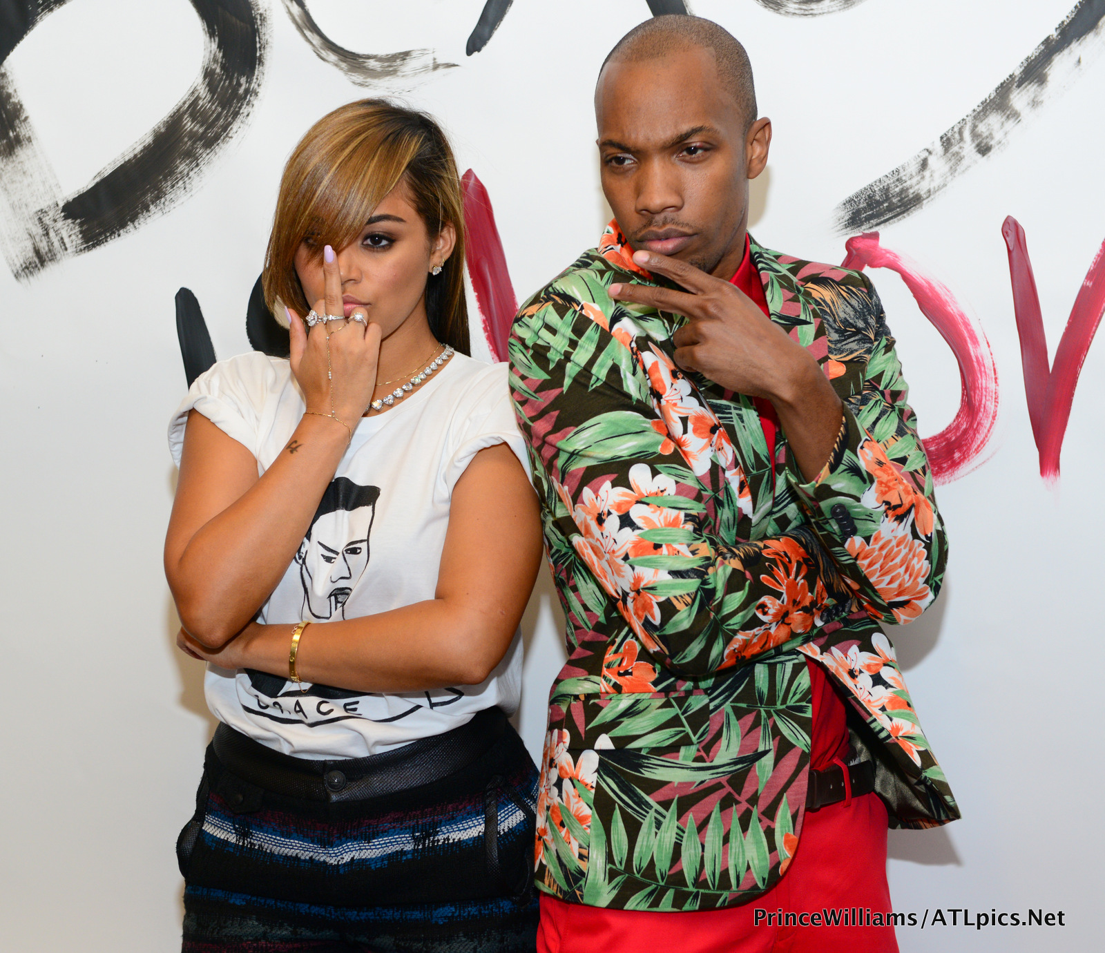 lauren london-middle finger-beauty is love-bet awards 2013-the jasmine brand
