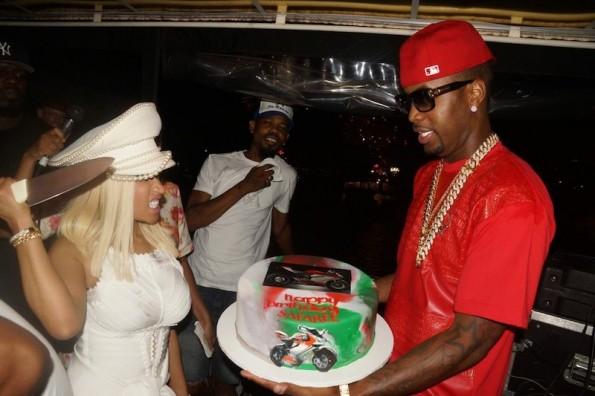 nicki minaj cuts the cake-july 4th cruise-the jasmine brand
