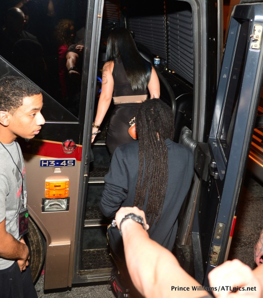 sarah vivian-lil wayne tour bus-atl-prive nightclub 2013-the jasmine brand