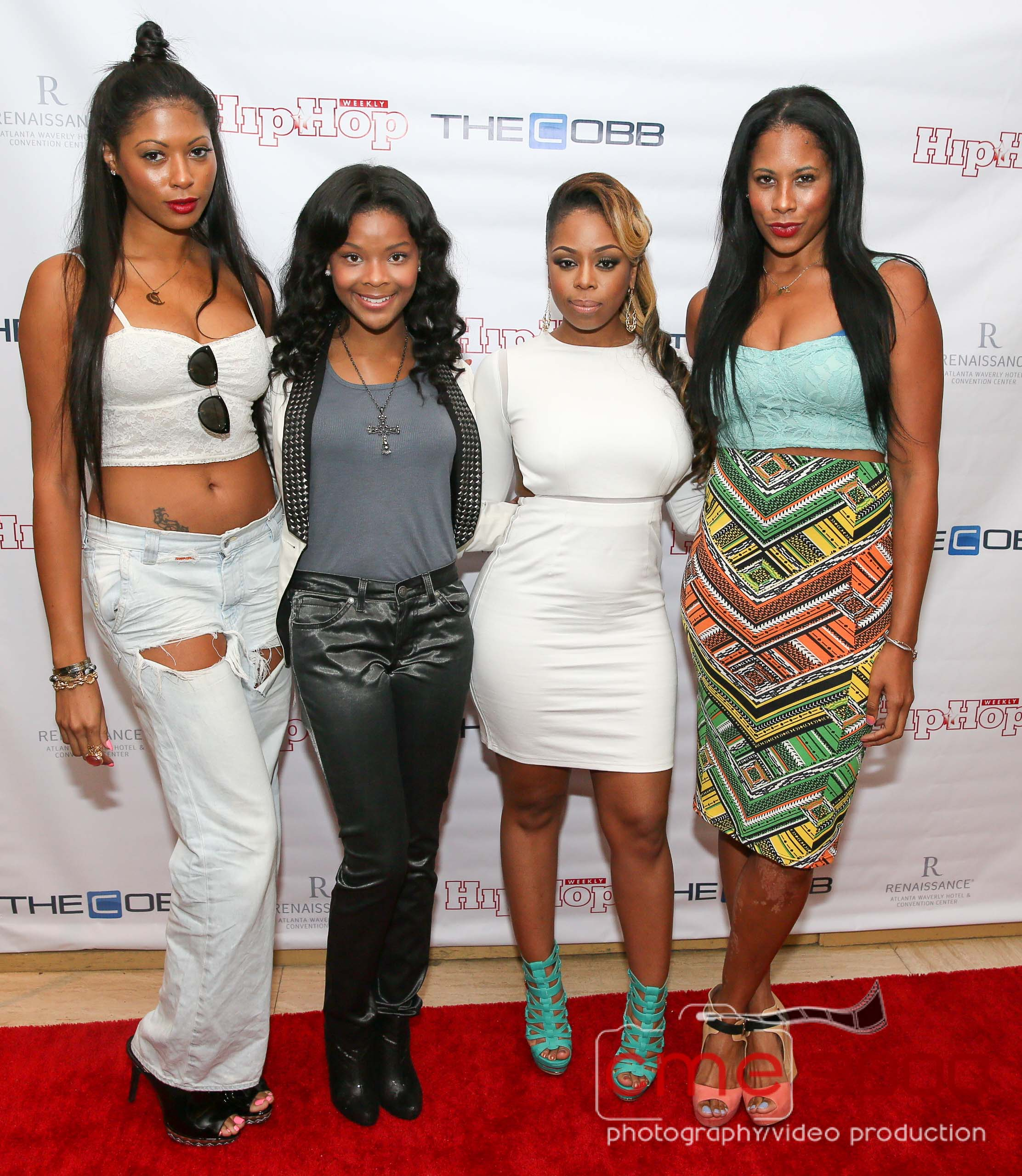 Displaying 14> Images For - Hip Hop Fashion Women