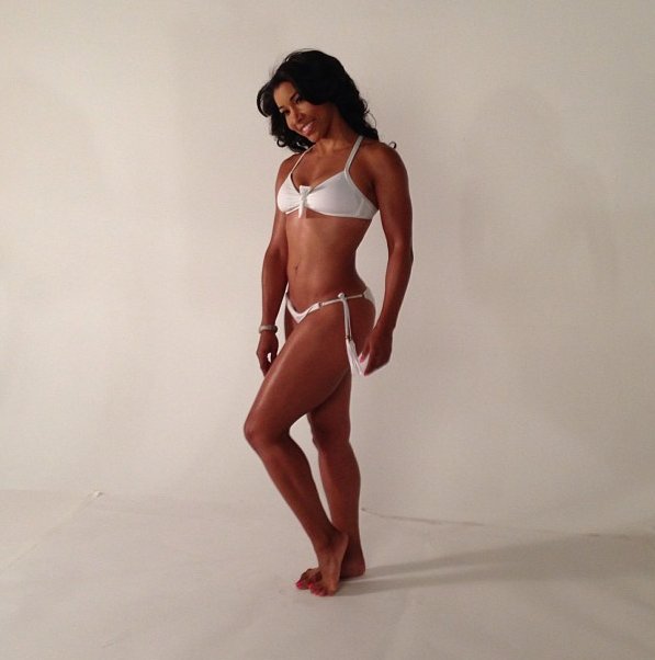 Jeanette-Jenkins-White-Bikini-Sexy-Cardio-Ab-Sculpt-2013-The-Jasmine-Brand