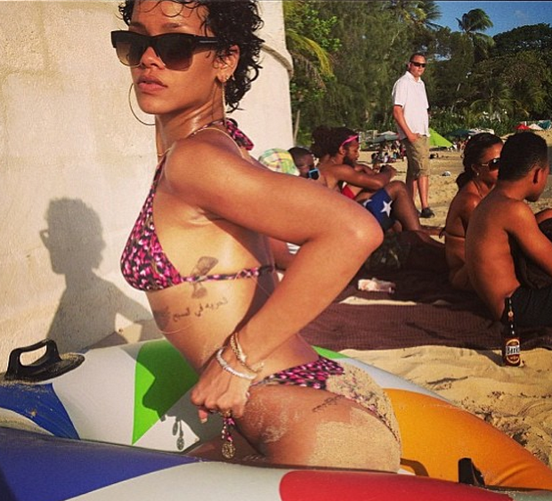[Photos] My Beach Is Better Than Yours! Rihanna Serves More Booty, Skin & Sex Appeal