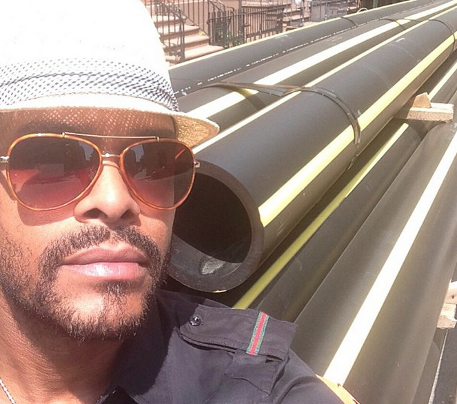 Maxwell Lashes Out At Critics Saying He Prefers White