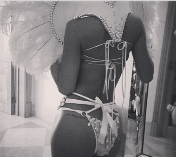 [Photos] Rihanna Serves Fashion Sex Appeal In Revealing Barbados Carnival Costume