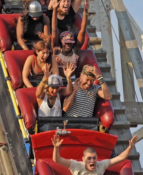 e-beyonce-coney island-roller coaster 2013-the jasmine brand