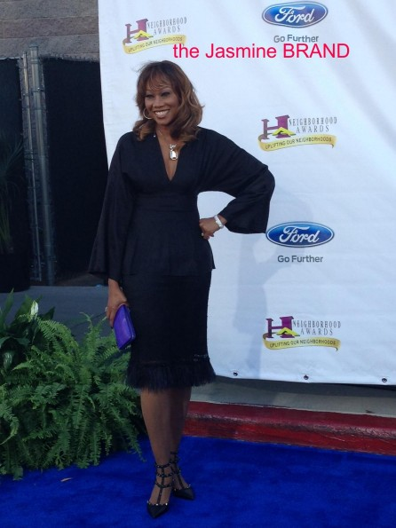 yolanda adams-steve harvey blue carpet-the jasmine brand