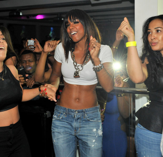 [Photos] Kelly Rowland, Snoop, Usher Caught Partying at ATL's Compound