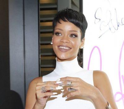 Spotted.Stalked.Scene: Rihanna Visits Hong Kong, Big Sean & J.Lo Hit the Studio + More Celeb Stalking
