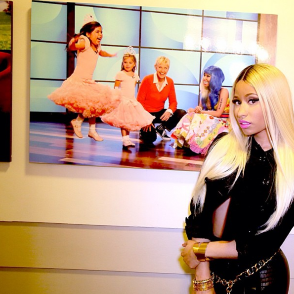 Nicki-Minaj-Backsrage-The-Ellen-Show-The-Jasmine-Brand