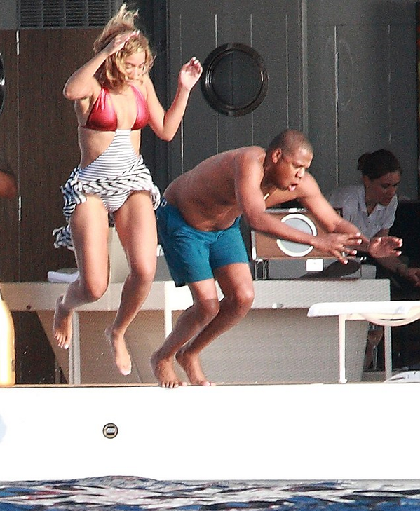 b-beyonce birthday with jayz-bikini-italy-the jasmine brand
