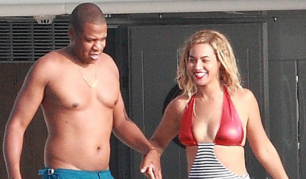 [Photos] A Chest Naked Jay Z & Bikini Clad Beyonce Celebrate Birthday In Stromboli, Italy
