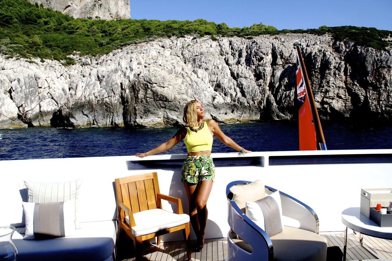 [Photo] Beyonce, Blue Ivy & Jay Z's Mediterranean Vacay ...