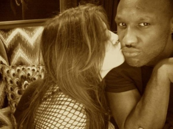 Was Lamar Odom's Mystery Tweet Fake? + NBA Baller Reportedly Still Smoking Crack