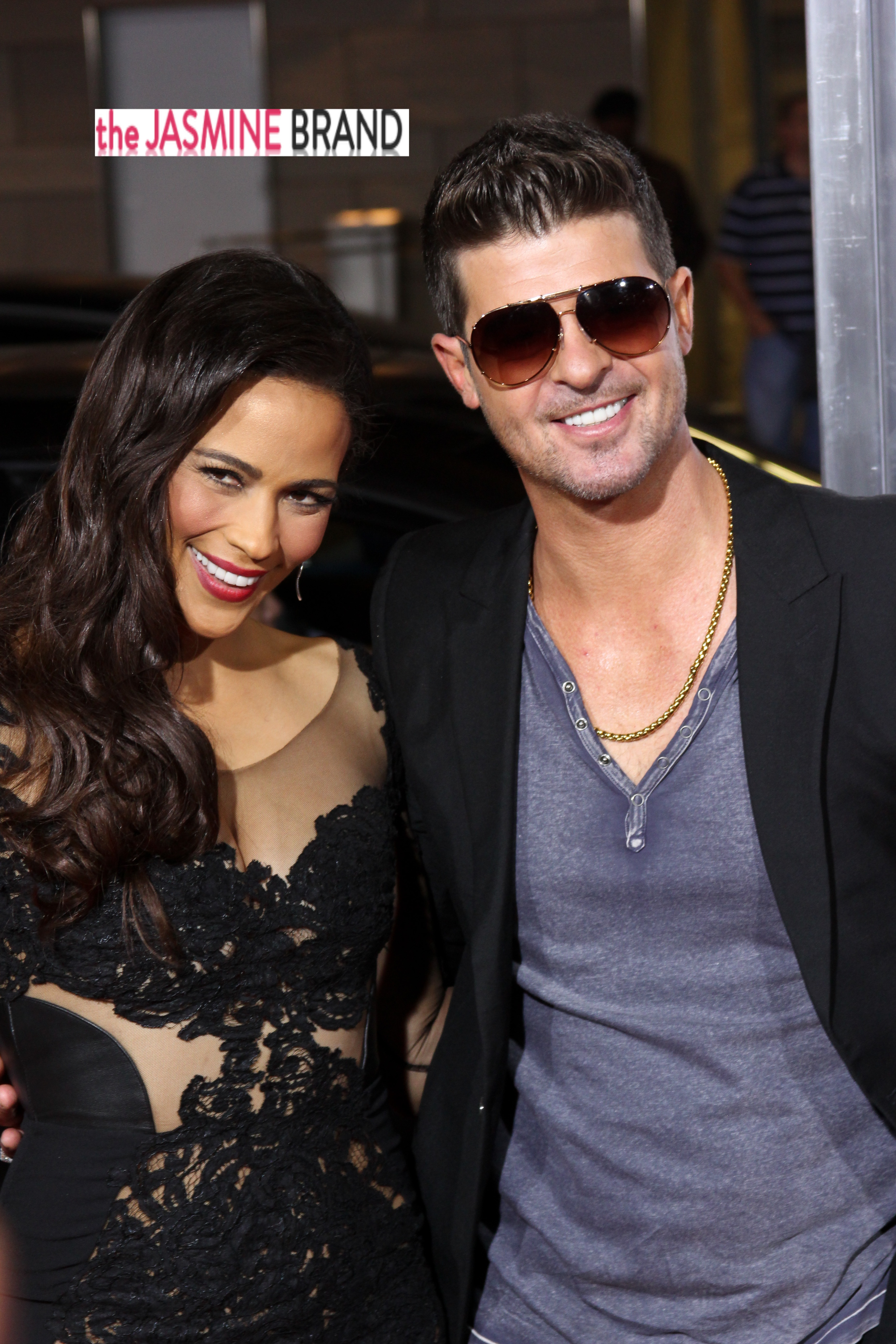 Robin Thicke's 22-Year-Old Girlfriend Pregnant