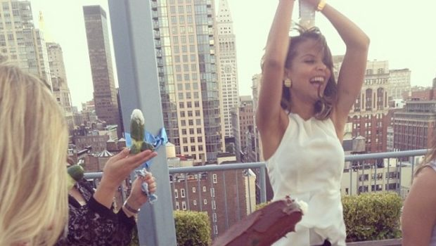 [Photos] Almost Down the Alter! 'Single Ladies' Actress Denise Vasi Has Bridal Shower