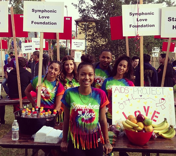 [Photos] Community Dopeness: Karrueche Tran & Anthony Anderson Attend AIDS Walk Los Angeles