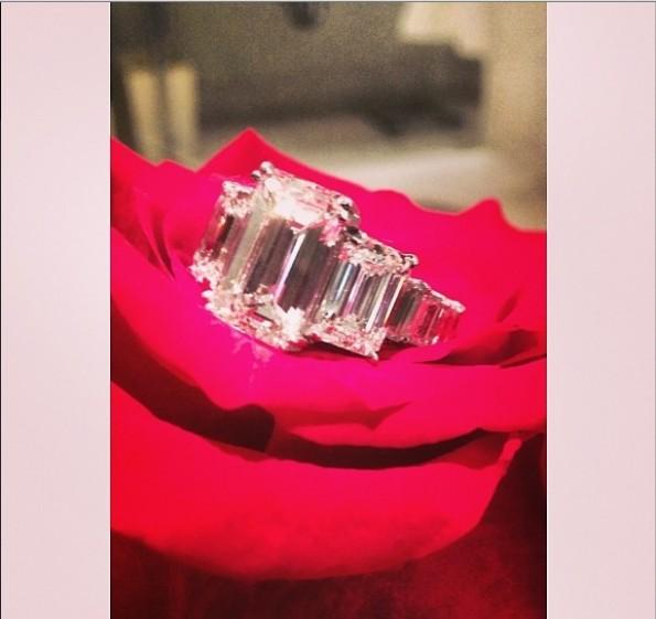 photos bling bling ciara shows off her 15 carat