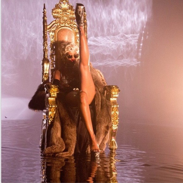 i-rihanna-pour it up video-the jasmine brand
