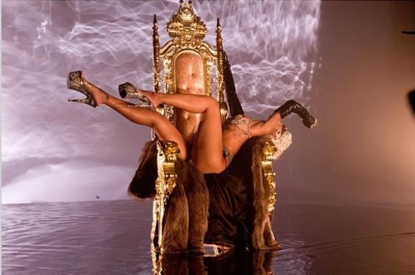 iii-rihanna-pour it up video-the jasmine brand