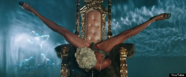 rihanna-pour it up video-the jasmine brand