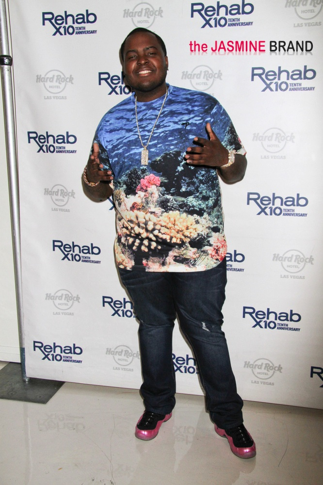 Sean Kingston Hosts the End-of-the-Summer Bash at Rehab Pool in Las Vegas on October 13, 2013