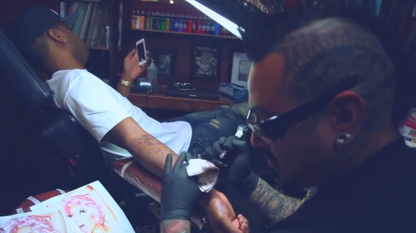 Safaree-Gets-Nicki-Minaj-Tatt-The Jasmine Brand