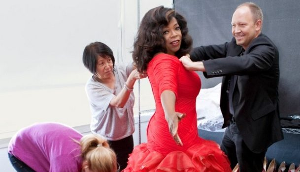 [Photos] Oprah Rocks A Blood Red, 15 Foot Train Vera Wang Dress for 'Oprah's Favorite Things Issue'