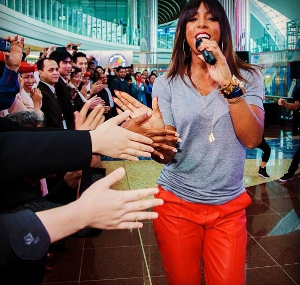 kelly rowland-performs dubai airport-the jasmine brand