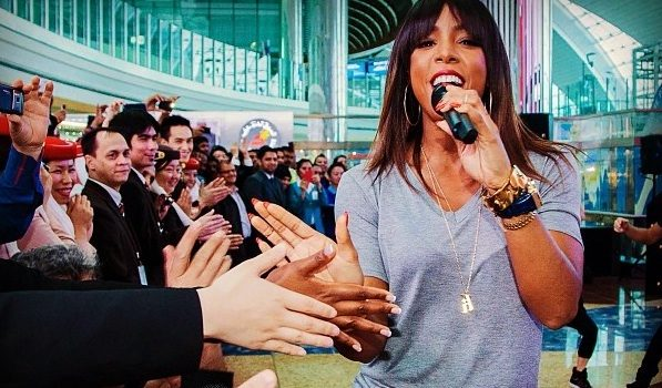 [Photos & Video Footage] Kelly Rowland Performs At Dubai Airport & Airshow