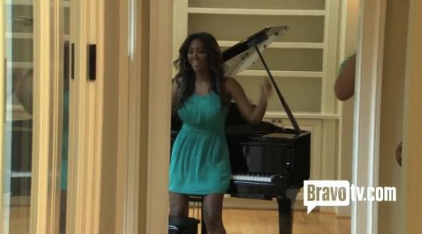 kenya moore-twerks by the piano-real housewives of atlanta-episode 3-the jasmine brand