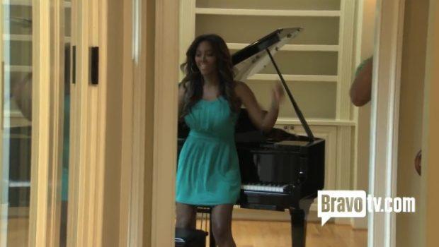 [VIDEO] Cops Come For Kenya Moore, Divorce Tears & Piano Twerk Time + Watch the Real Housewives of Atlanta, Episode 3