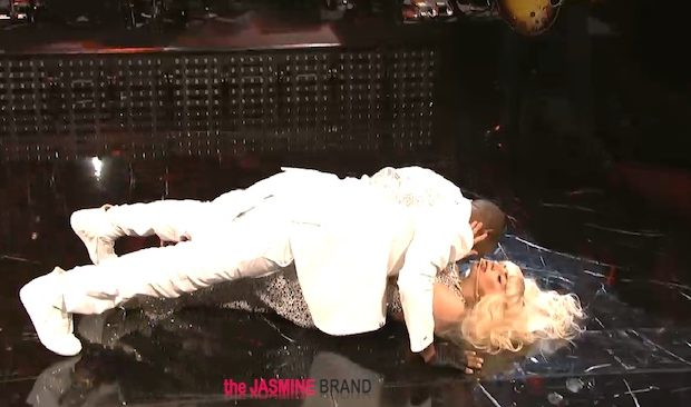 [WATCH] Lady Gaga & R. Kelly Deliver Dry Humping, Jaw Jumping SNL Performance: 'Do What U Want'
