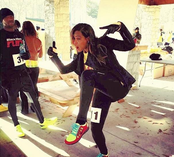 A-tameka raymond-The Give Thanks 5K run walk-kile glover memory-the jasmine brand