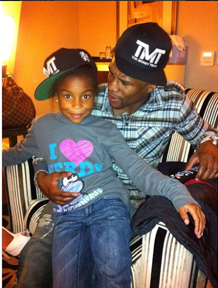 Floyd-Mayweather-Wants-His-Daughters-To-Be-Ladies-2-The Jasmine Brand
