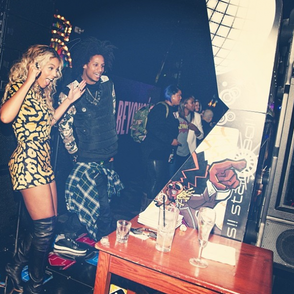 Beyonce-Celebrates-Album-Release-With-Private-Party-3-The Jasmine Brand