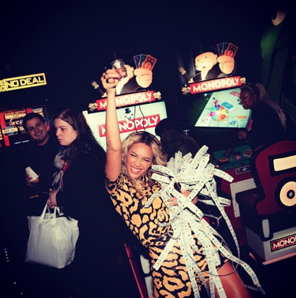 Beyonce-Celebrates-Album-Release-With-Private-Party-2-The Jasmine Brand
